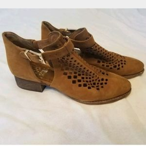 Vince Camuto Brown Leather Mesh Buckle Sandals 6